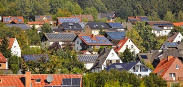 Installierte Photovoltaikanlagen. - © Ingo Bartussek, Fotolia.de