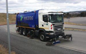 Die Mission saubere Straßen in Oslo ist in vollem Gange. Die neue Schmidt SK1200 trägt entscheidend zur Erfüllung bei. - © Schmidt