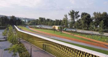 Das 11.000 Quadratmeter große Parkdeck dient der Technischen Hochschule Deggendorf als Parkmöglichkeit und gleichzeitig der Bevölkerung ale Erholungsraum. - © Werner Huthmacher