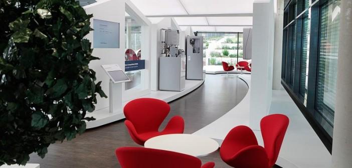 In einem Pavillon im Besucherzentrum präsentiert Bosch Thermotechnik die neuesten Heiztechnikgeräte. - © Bosch Thermotechnik