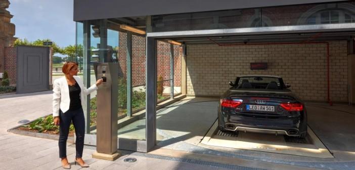 Das automatische Parksystem Wöhr Multiparker 740 fügt sich harmonisch in das Wohnkonzept des denkmalgeschützten Gebäudes ein. - © Otto Wöhr GmbH