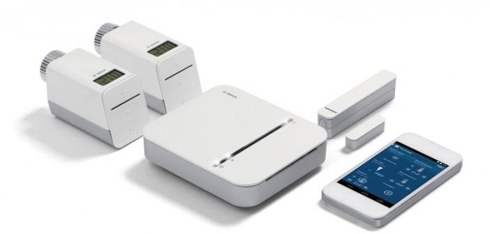Das Bosch-Smart-Home-System ist einfach zu installieren und zu bedienen: ein System, eine App, eine User Experience. Bosch-Smart- Home-Lösungen entlasten den Nutzer von lästigen Routineaufgaben und bieten ihm mehr Komfort und Sicherheit. - Bild: © Bosch