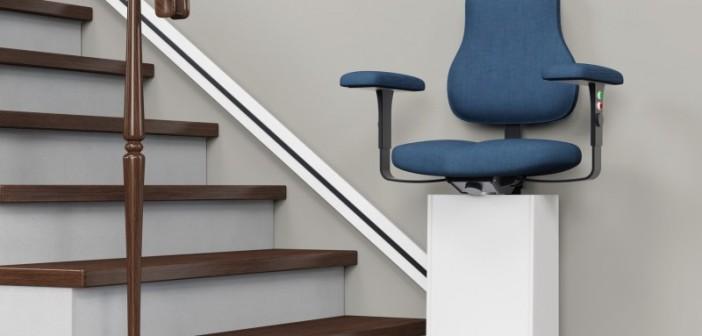 Auch Treppenlifte erleichtern das selbstständige Wohnen im hohen Alter - der Trend geht zu komplett barrierefreien Bauten. - Bild: © Robert Kneschke, Fotolia.de