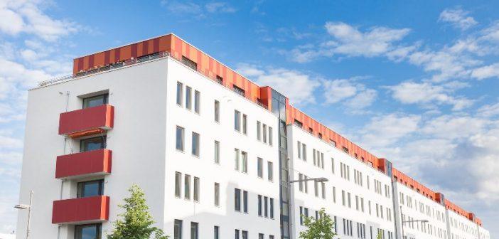 2015 wechselten in acht großen Transaktionen 248.000 Wohnungen den Eigentümer. - Bild: © Tiberius Gracchus, Fotolia.de