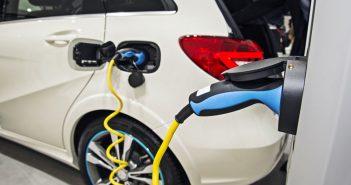 Kaufprämien steigern Interesse an Elektrofahrzeugen deutlich.