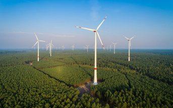 Panorama eines Windparks. - Foto: TimSiegert-batcam.de, Fotolia.de