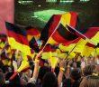 Gemeinsam in der Öffentlichkeit Fußball gucken – Berlin hat dazu den Weg freigemacht. - Bild: © Ingo Bartussek, Fotolia.de