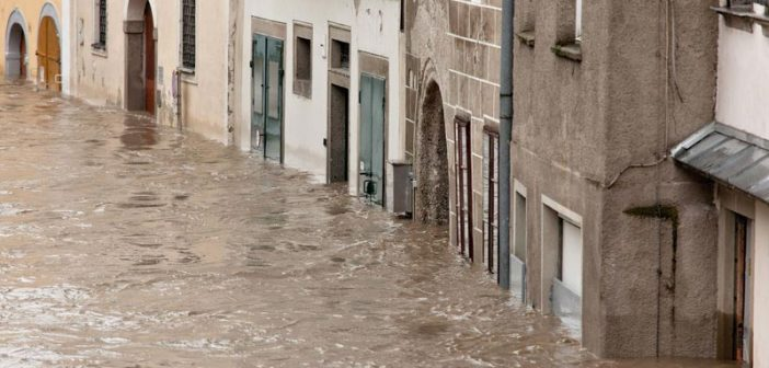 Hochwasser und Überflutung in Steyr, Österreich.