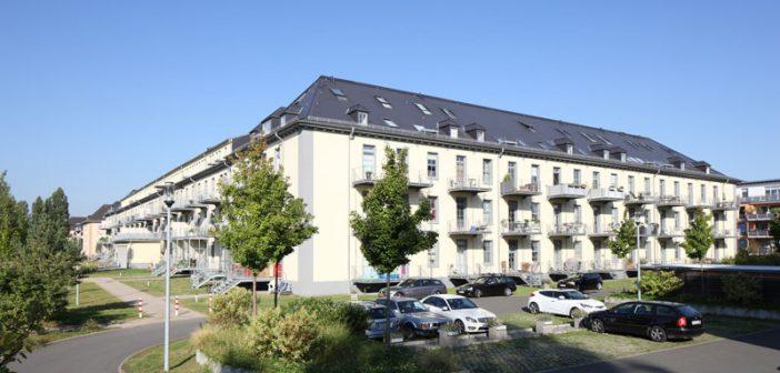 Die Kaserne Pont du Clair in Mainz-Gonsenheim wurde ab 2006 zu Wohnungen mit Größen zwischen 37 und 118 Quadratmetern umgenutzt.