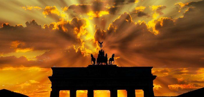 Berliner Verfassungsgericht legt Mietendeckelklage auf Eis